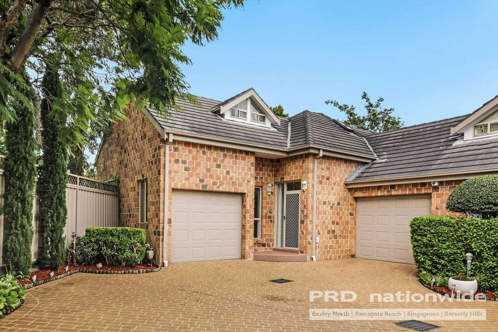 Main view of Homely townhouse listing, 3/2 TOOHEY CRESCENT, Bexley, NSW 2207
