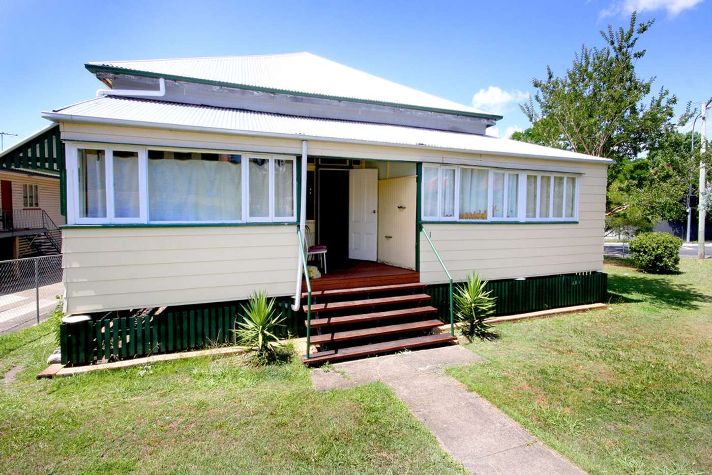 Main view of Homely unit listing, 2/31 Chalk Street, Wooloowin QLD 4030