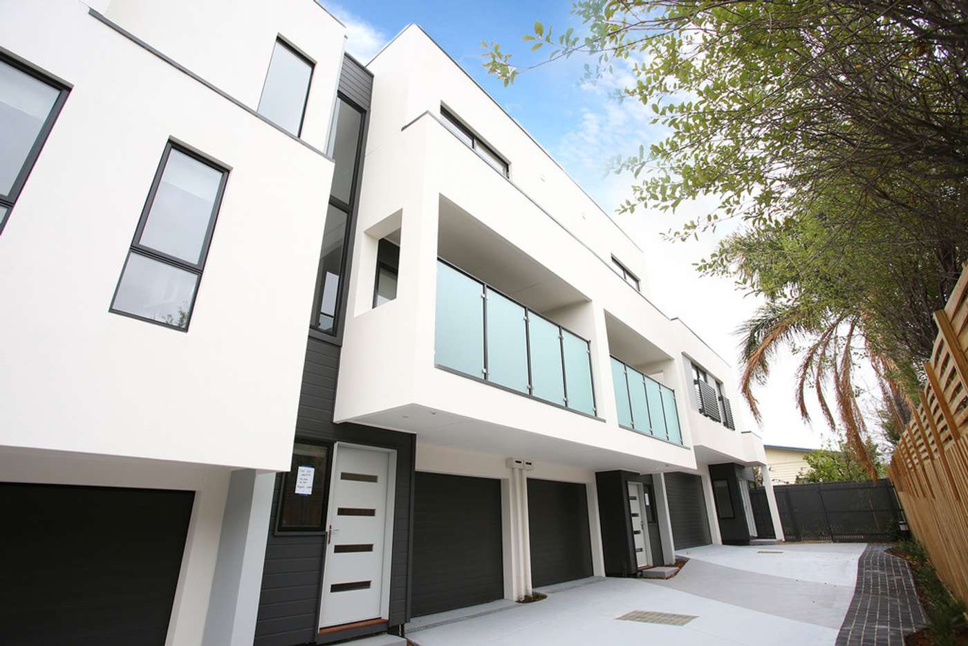 Main view of Homely townhouse listing, 2/1100 Nepean Highway, Highett VIC 3190