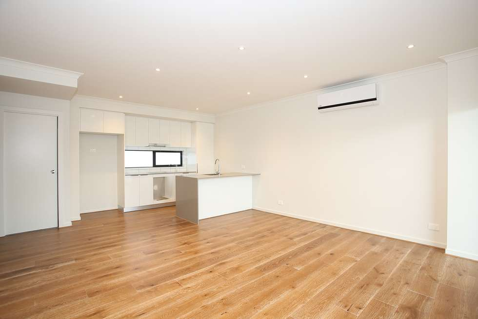 Third view of Homely townhouse listing, 2/1100 Nepean Highway, Highett VIC 3190