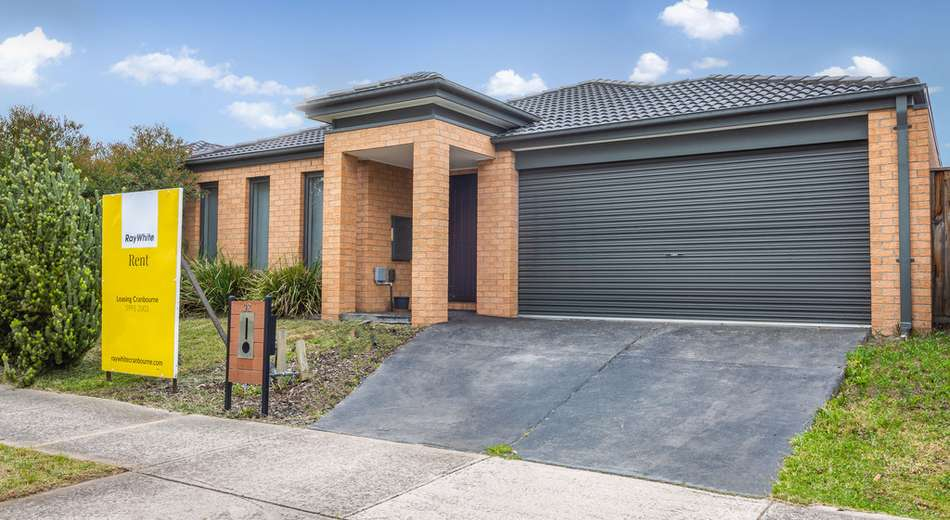 92 Mountainview Boulevard, Cranbourne North VIC 3977