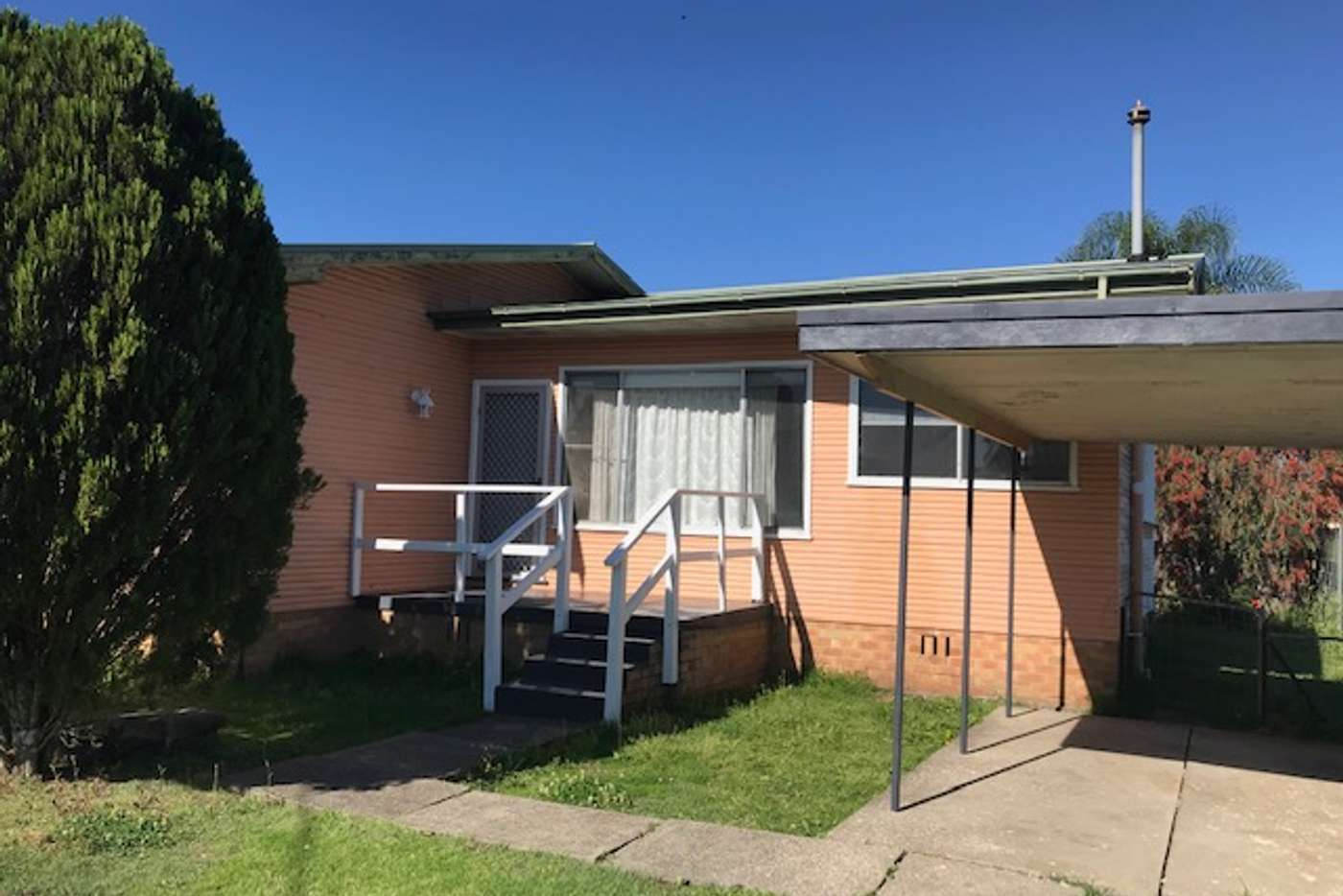 Main view of Homely unit listing, 2/18 Florence Street, Taree NSW 2430