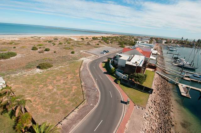 80 Gulf Point Drive, North Haven SA 5018
