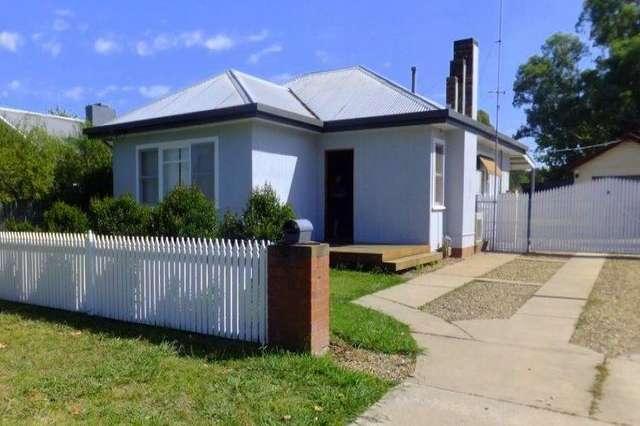 576 HEATHWOOD AVENUE, Lavington NSW 2641