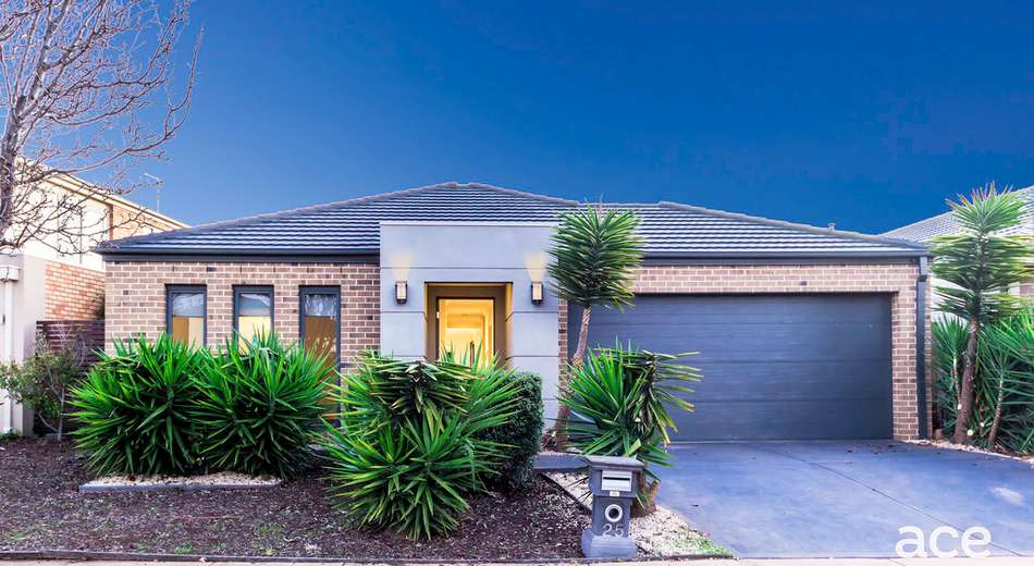 25 Fantail Crescent, Williams Landing VIC 3027