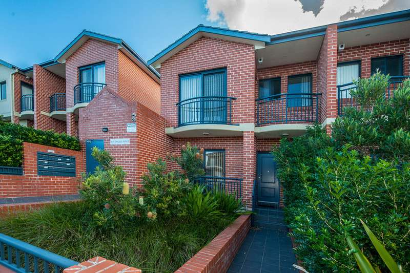Main view of Homely townhouse listing, 10/10-14 Chicago Avenue, Maroubra, NSW 2035