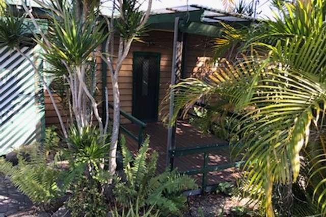 4 Raymond Avenue, Bundall QLD 4217