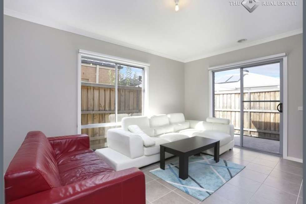 Second view of Homely house listing, 8 Dahlia Crescent, Keysborough VIC 3173