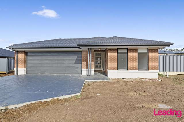 27 Bella Vista Place, Romsey VIC 3434
