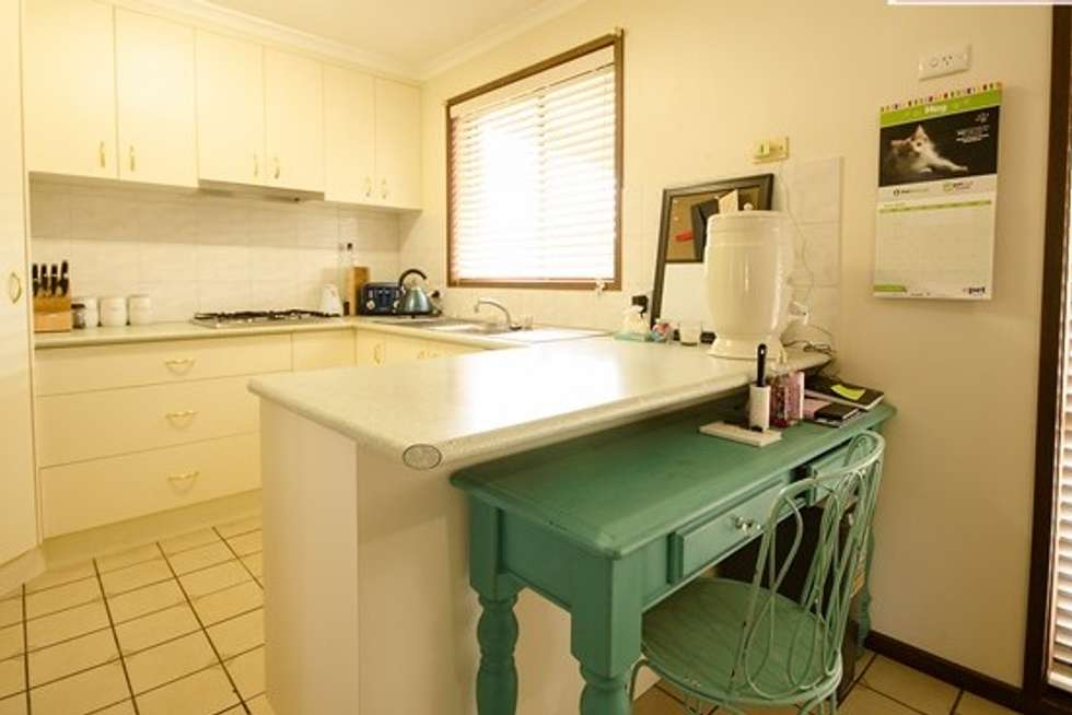 Third view of Homely house listing, 2/9 Garnet Circuit, Wodonga VIC 3690