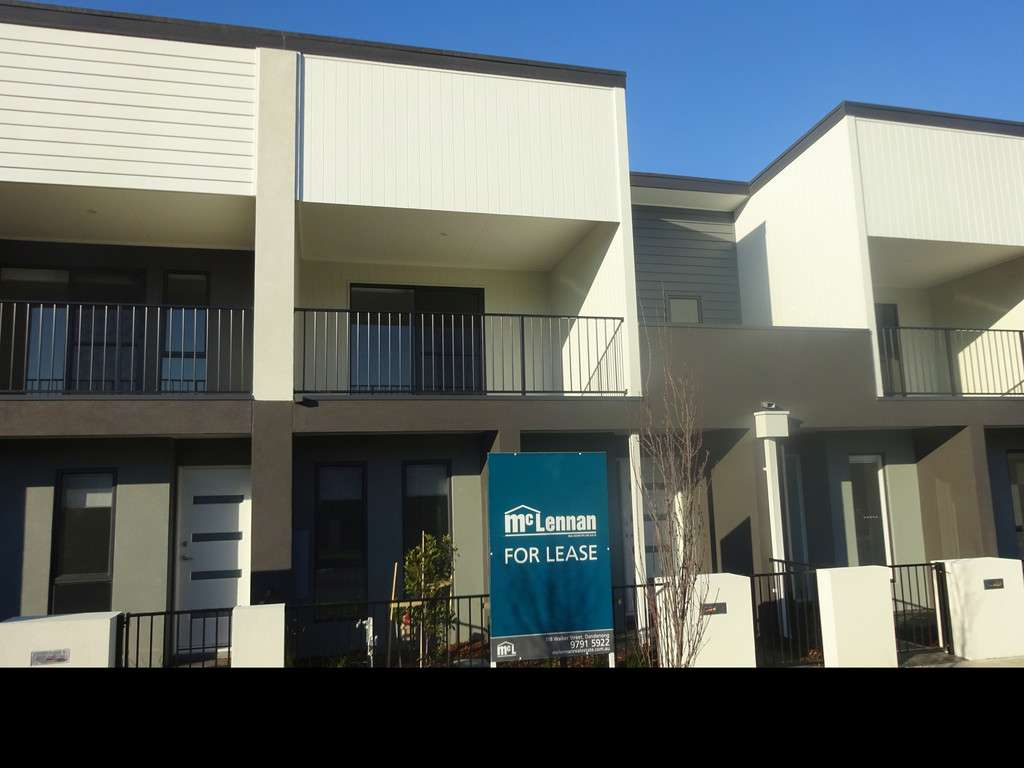 Main view of Homely townhouse listing, 14 St Martin Way, Pakenham, VIC 3810