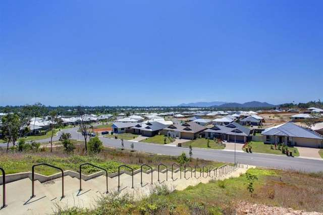 76 Hillock Crescent, Bushland Beach QLD 4818