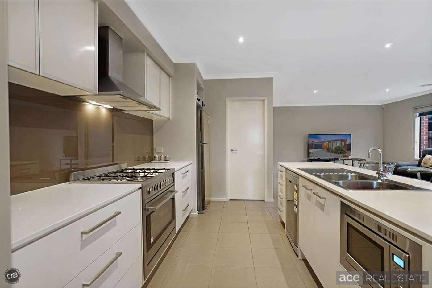Sixth view of Homely house listing, 33 Applebox Circuit, Point Cook VIC 3030