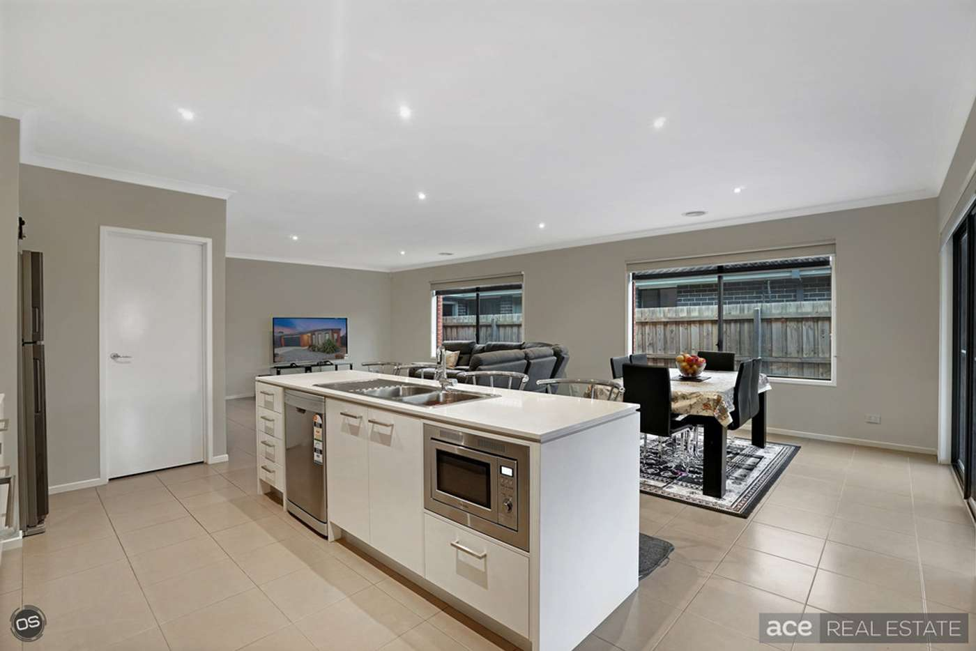 Seventh view of Homely house listing, 33 Applebox Circuit, Point Cook VIC 3030