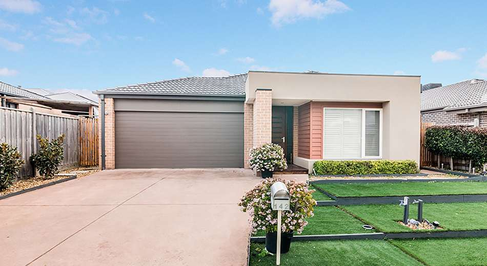 142 Mountainview Boulevard, Cranbourne North VIC 3977