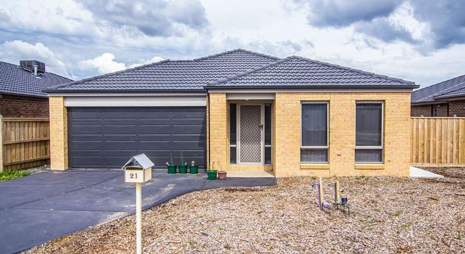 21 Chantenay Parade, Cranbourne North VIC 3977