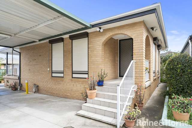 37 Roland Street, Bossley Park NSW 2176