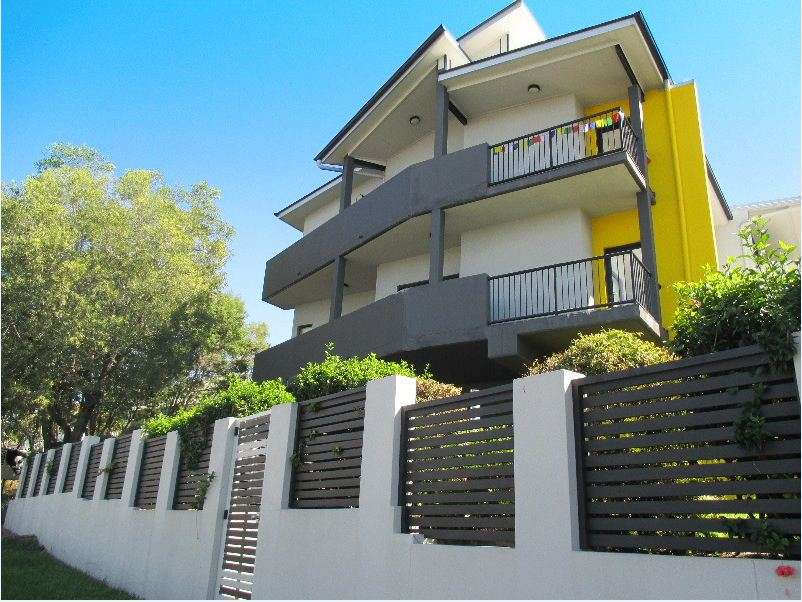Main view of Homely unit listing, 3/5 Ivanhoe Street, Annerley, QLD 4103