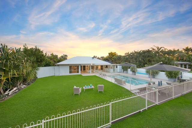 14 Jamaica Crescent, Bushland Beach QLD 4818