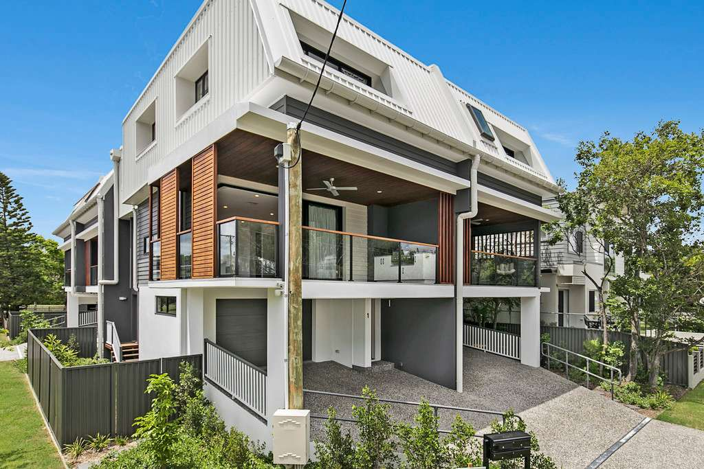 Main view of Homely townhouse listing, 2/74 Jamieson Street, Bulimba, QLD 4171