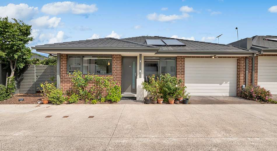 10/17 Golden Elm Way, Lyndhurst VIC 3975