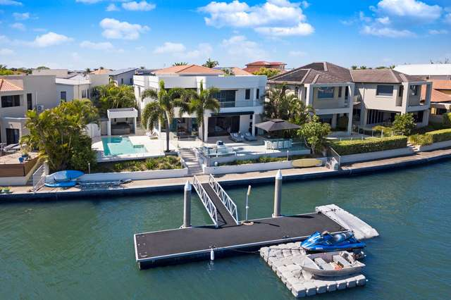 20 King James Court, Sovereign Islands QLD 4216