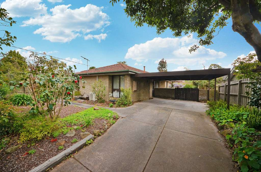 Main view of Homely house listing, 5 Camelot Drive, Glen Waverley, VIC 3150
