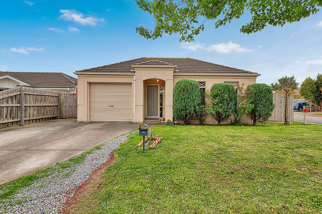 Main view of Homely house listing, 34 Bellbrae Crescent, Cranbourne West, VIC 3977