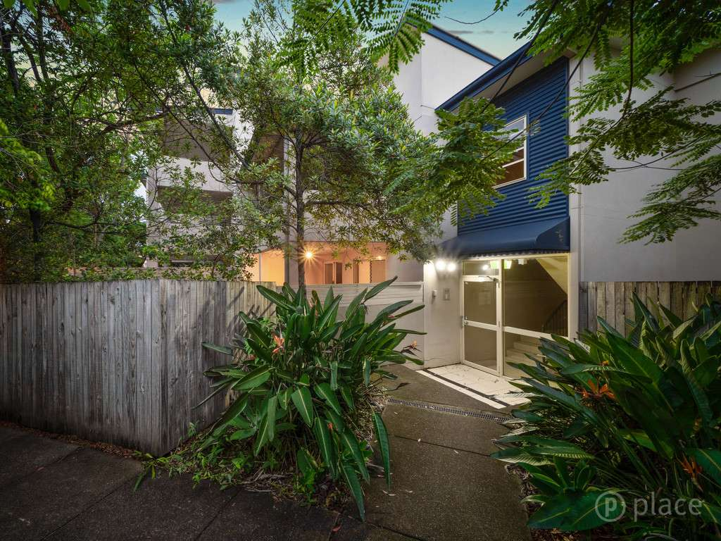 Main view of Homely unit listing, U3/4 Bonney Avenue, Clayfield, QLD 4011