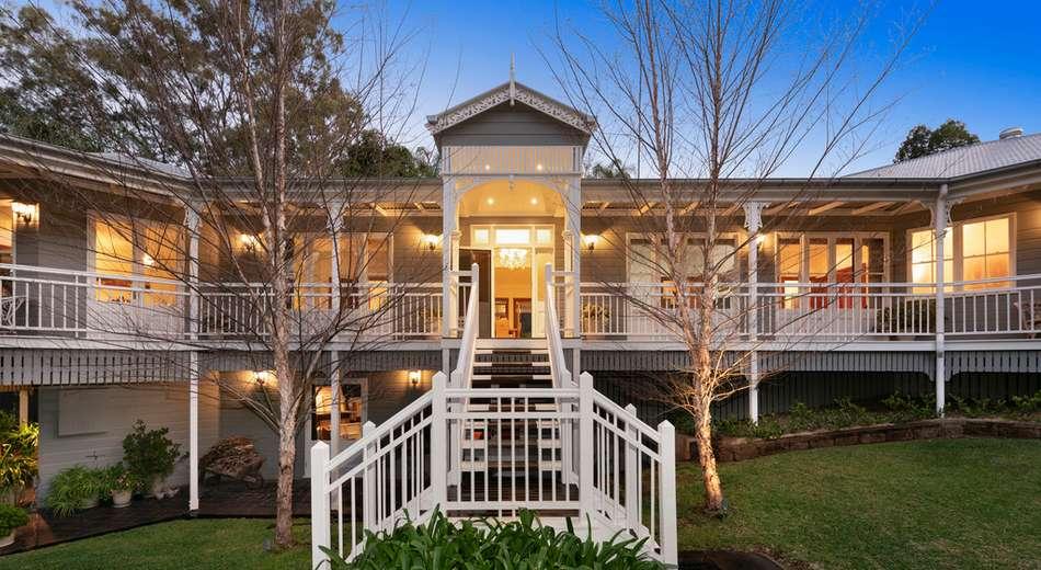 16 Tamarix Street, Chapel Hill QLD 4069