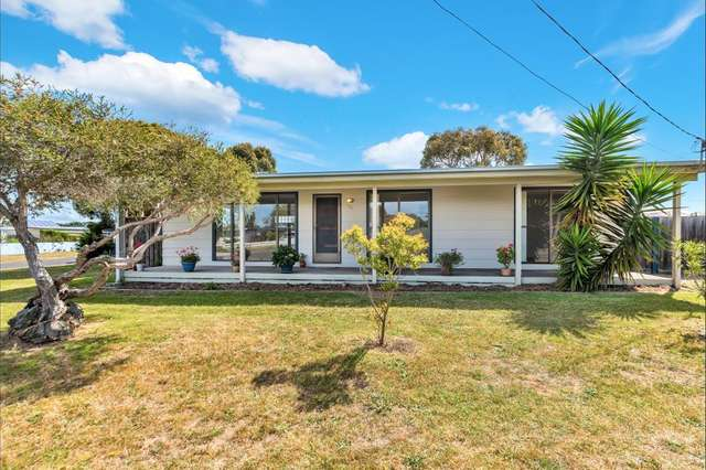 38 Thomson Boulevard, St Leonards VIC 3223