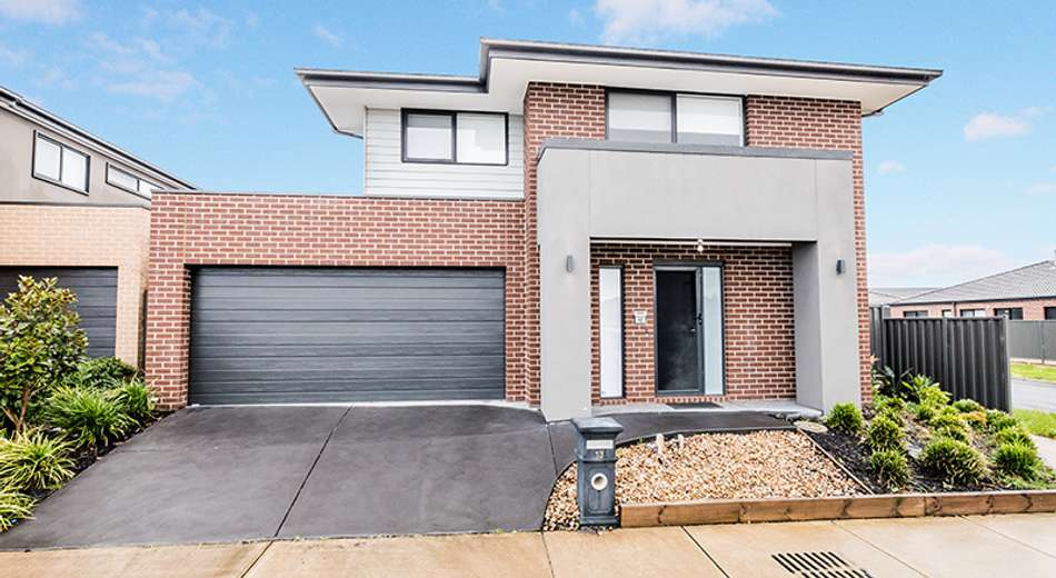 13 Canmore Street, Cranbourne East VIC 3977