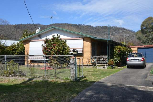 32 Valley Avenue, Mount Beauty VIC 3699