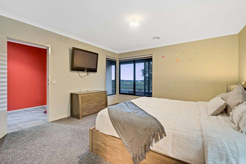 Fourth view of Homely house listing, 21 Serra way, Fraser Rise VIC 3336