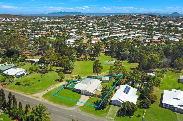 33 Coutts Drive, Bushland Beach QLD 4818