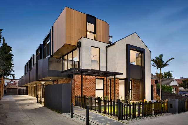 2/5 Wallace Crescent, Strathmore VIC 3041