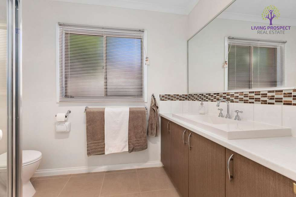 Fifth view of Homely house listing, 22 Willowgreen Way, Point Cook VIC 3030