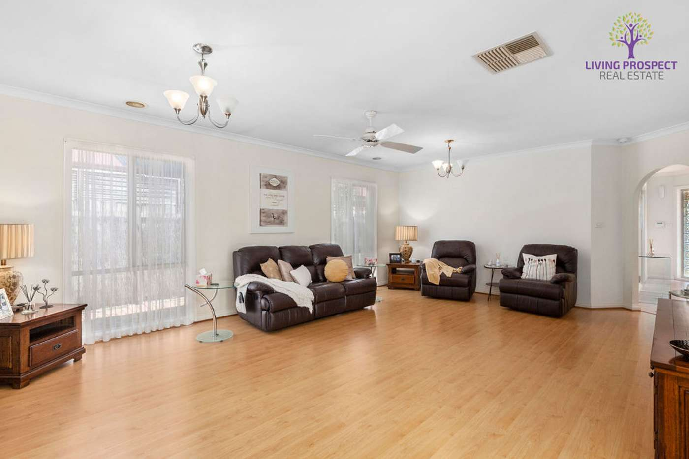 Seventh view of Homely house listing, 22 Willowgreen Way, Point Cook VIC 3030