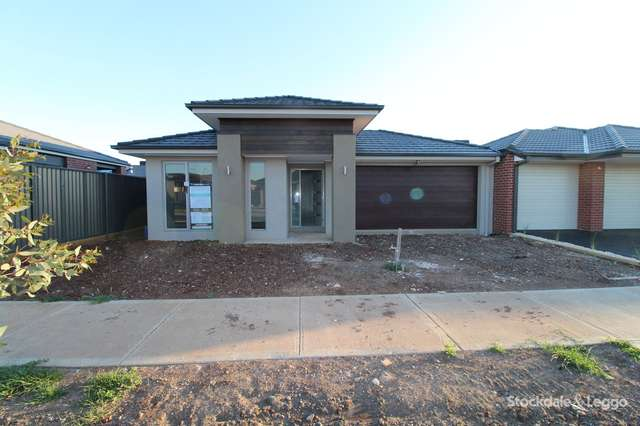 3 Rockingham Circuit, Harkness VIC 3337