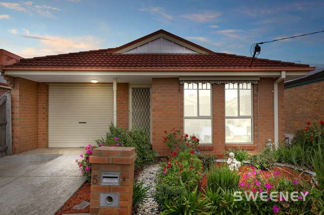5a May Avenue, Altona Meadows VIC 3028