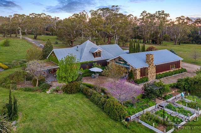 61 Waterfalls Road, Mount Macedon VIC 3441