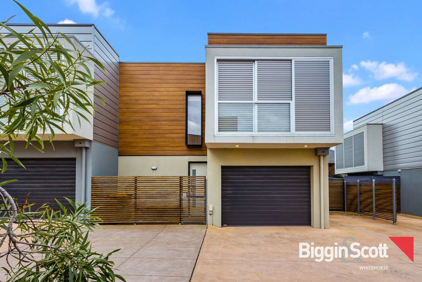 Main view of Homely townhouse listing, 2/55 Oriel Road, Ivanhoe VIC 3079