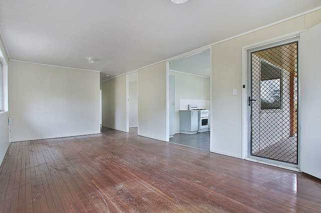 18 Twidale Drive, Riverview QLD 4303