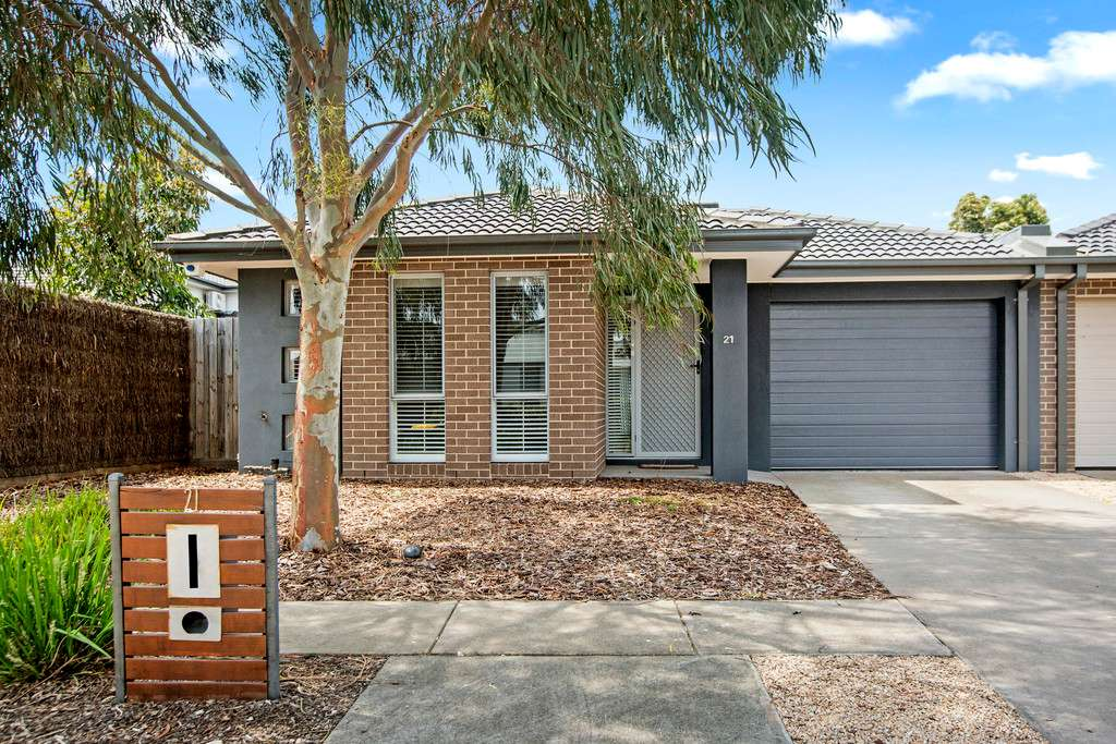 Main view of Homely house listing, 21 Botany Drive, Carrum Downs, VIC 3201