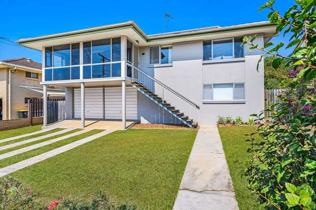 11 Waratah Drive, Clontarf QLD 4019
