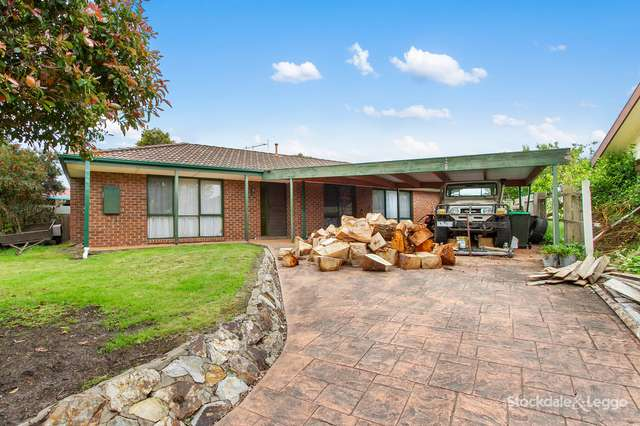 13 Canterbury Way, Churchill VIC 3842