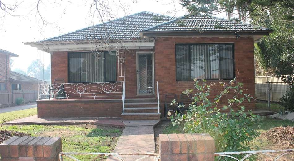 215 THE HORSLEY DRIVE, Fairfield East NSW 2165