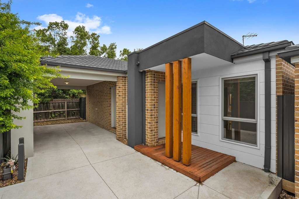 Main view of Homely unit listing, 3/8 Larcombe Street, Highton, VIC 3216