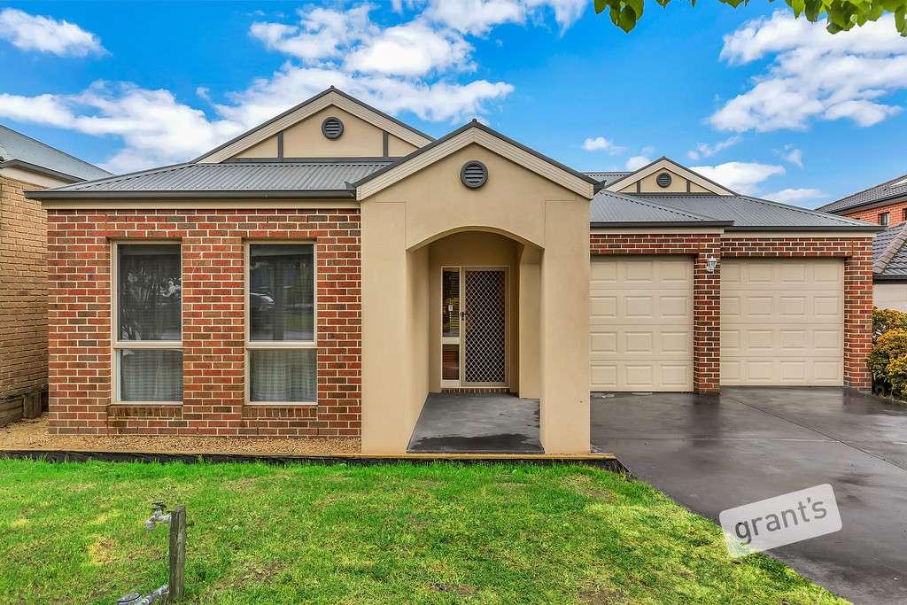 Main view of Homely house listing, 4 Yarra Close, Pakenham, VIC 3810