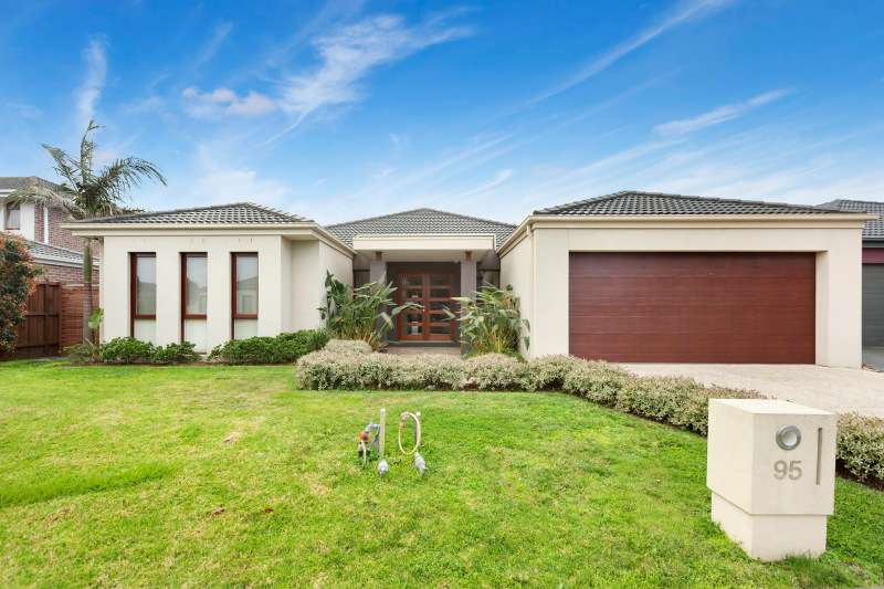 Main view of Homely house listing, 95 Bluemist Circuit, Lyndhurst, VIC 3975
